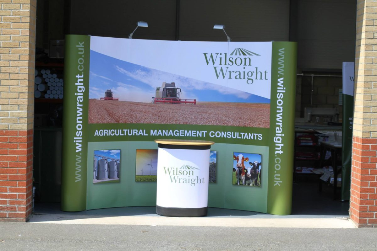 Wilson wraight pop-up stand